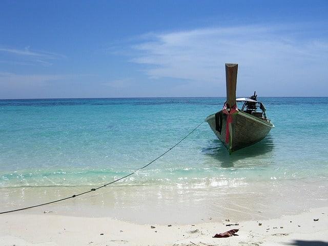 fishing-boat-281732_640
